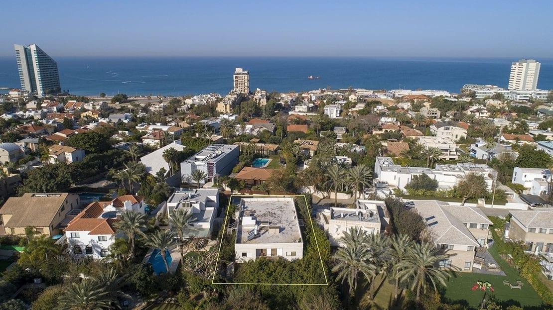 תצלום מהאוויר על הדירה